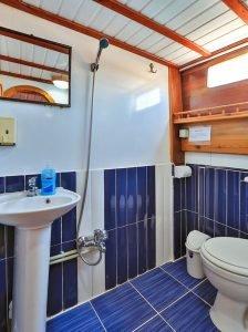 The Kasapoğlu III gulet yacht Turkey bathroom